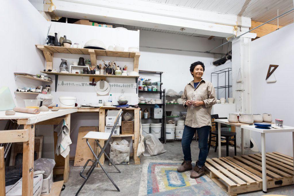 Marie Massin à l'atelier